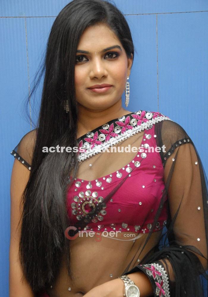 Neelam Shetty Hot See Through Cleavage n navel saree Pics