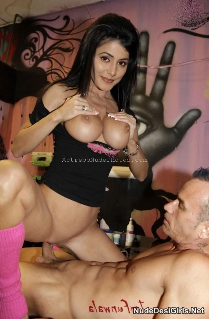 Sexy midget porn pics