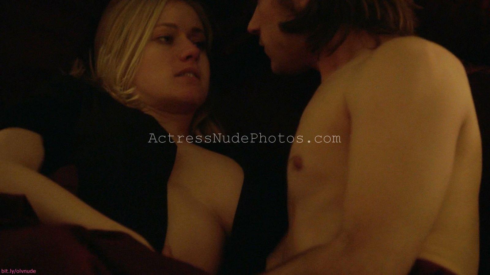 Olivia Taylor Dudley Sexy Scene in The Magicians  AZNude