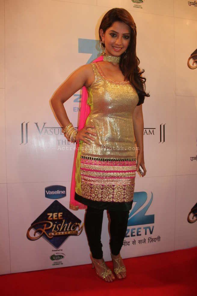 Latest Top 10+ XXX Naagin TV Actress Nude Adaa Khan Boobs