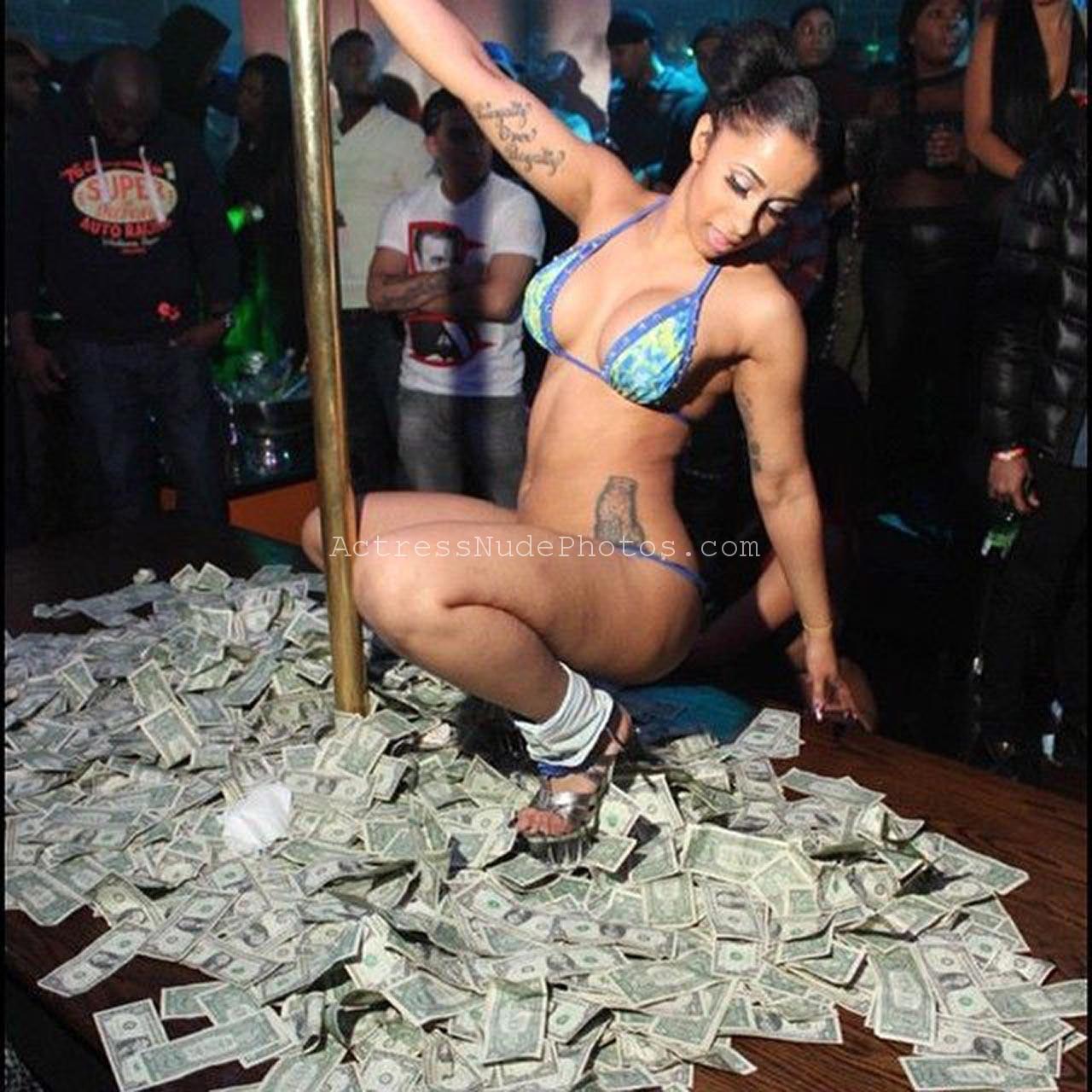 Cardi B naked xxx leaked unseen pics | Cardi B – Offset ...